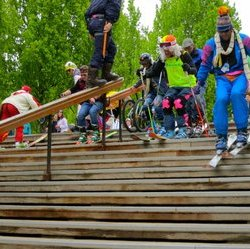 Mexico's San Pedro Gonazalez base grinds to indisputable victory at the day's opening stair race.